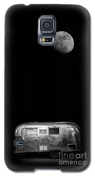 Moonrise Over Airstream Galaxy S5 Case