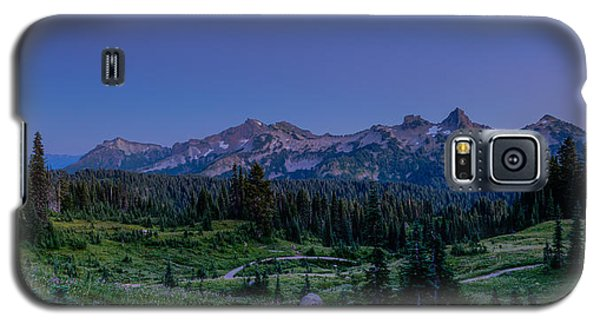 Moonrise Over Tatoosh Galaxy S5 Case