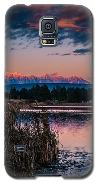 Galaxy S5 Case featuring the photograph Moonrise Rocky Moutains by Rob Tullis