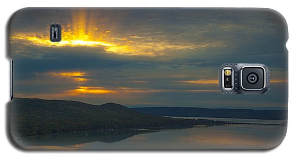Morning Beams Over Glen Lake Galaxy S5 Case