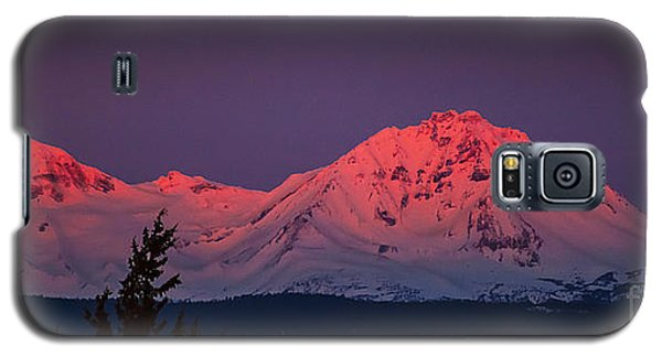 Morning Dawn On Two Of Three Sisters Mountain Tops In Oregon Galaxy S5 Case