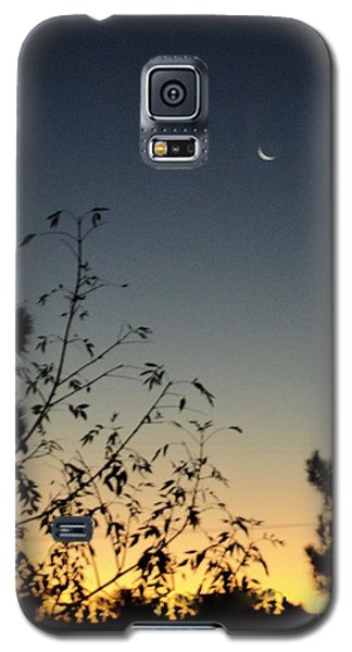Galaxy S5 Case featuring the photograph Morning Moonshine by Carla Carson