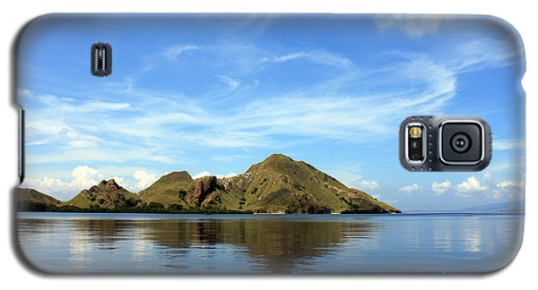 Galaxy S5 Case featuring the photograph Morning On Komodo by Sergey Lukashin