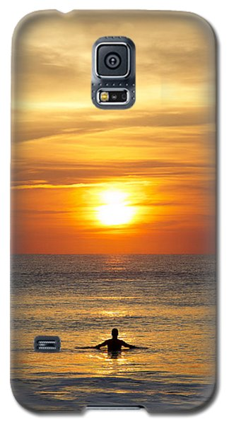 Galaxy S5 Case featuring the photograph Morning Praise by Kathy Ponce