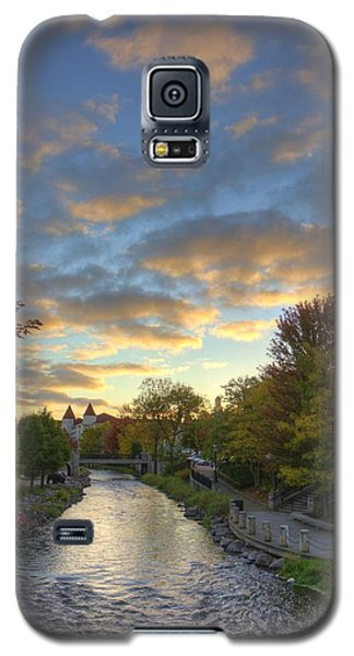 Morning Sky On The Fox River Galaxy S5 Case