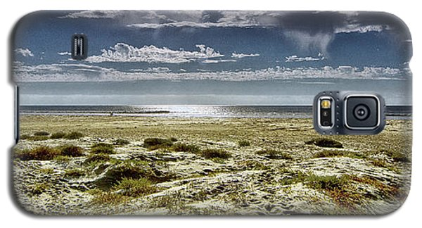 Galaxy S5 Case featuring the photograph Morro Bay by Joseph Hollingsworth