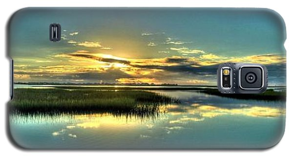 Morse Park Landing Sunrise Galaxy S5 Case by Ed Roberts