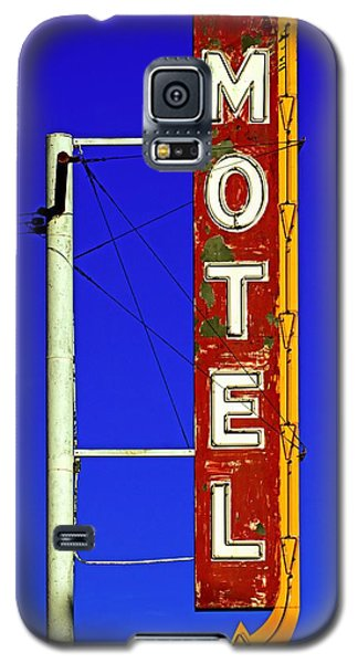 Motel Sign On Route 66 Galaxy S5 Case by Daniel Woodrum
