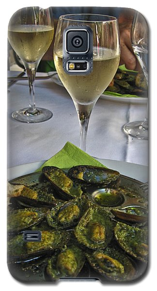 Galaxy S5 Case featuring the photograph Moules And Chardonnay by Allen Sheffield