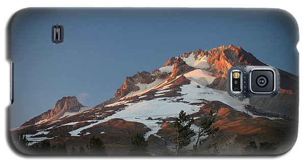 Galaxy S5 Case featuring the photograph Mount Hood Summit In Warm Glow by Karen Lee Ensley