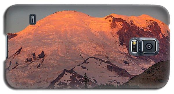 Mount Rainier Sunrise Galaxy S5 Case by Bob Noble Photography
