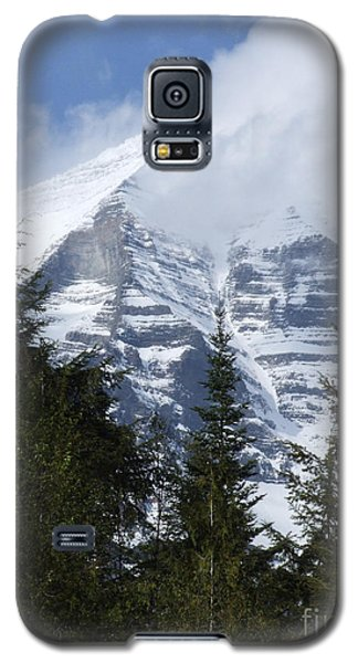 Mount Robson - Spindrift Galaxy S5 Case by Phil Banks