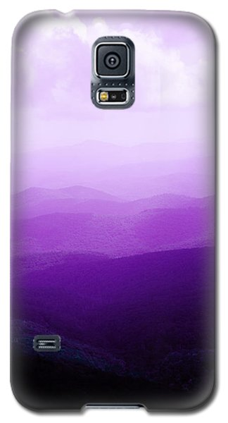 Galaxy S5 Case featuring the photograph Mountain Dreams by Kim Fearheiley