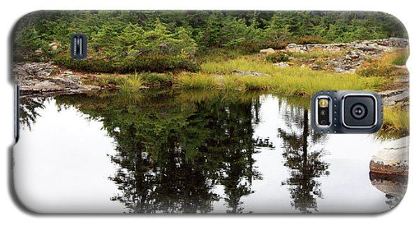 Galaxy S5 Case featuring the photograph Mountain Lake Reflections by Gerry Bates