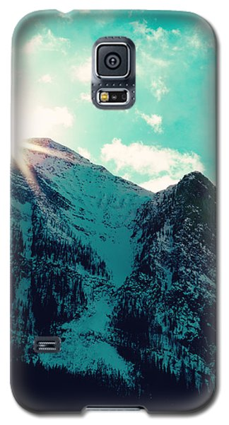 Galaxy S5 Case featuring the photograph Mountain Starburst by Kim Fearheiley