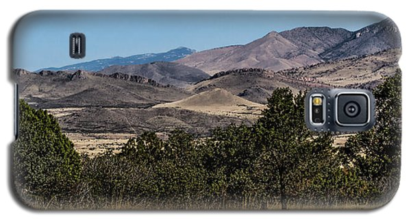 Galaxy S5 Case featuring the photograph Mountain Vista by Beverly Parks