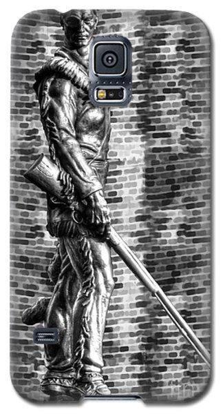 Mountaineer Statue Bw Brick Background Galaxy S5 Case by Dan Friend