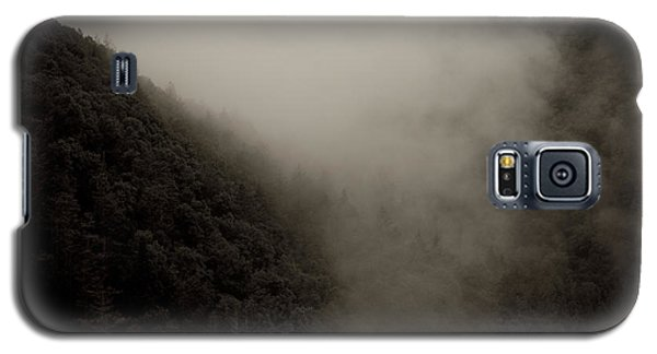 Mountains And Mist Galaxy S5 Case by Shane Holsclaw