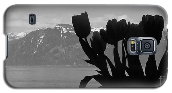 Mountains And Tulips Galaxy S5 Case