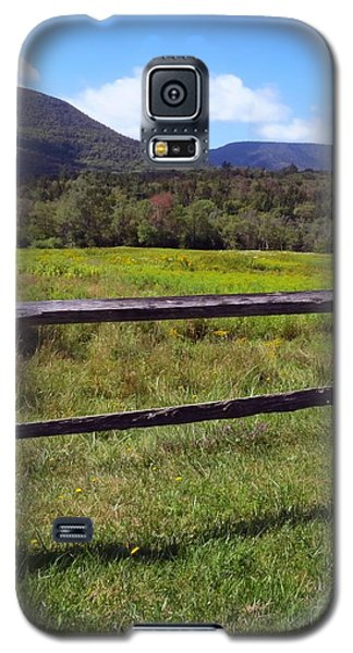 Mountains Beyond The Fence Galaxy S5 Case
