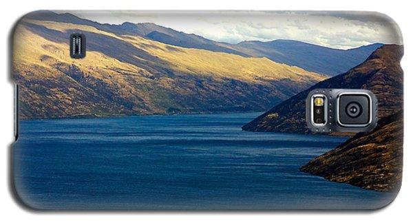 Mountains Meet Lake #2 Galaxy S5 Case by Stuart Litoff