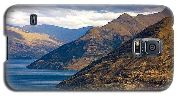 Mountains Meet Lake Galaxy S5 Case by Stuart Litoff