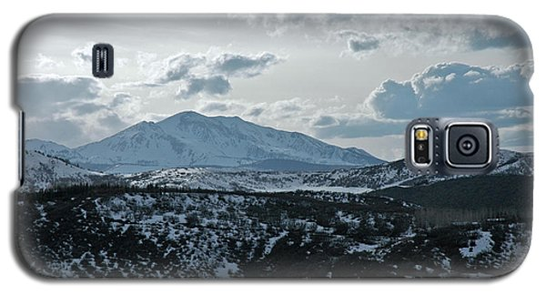 Galaxy S5 Case featuring the photograph Mountains Of Wild Cat Ranch by Allen Carroll