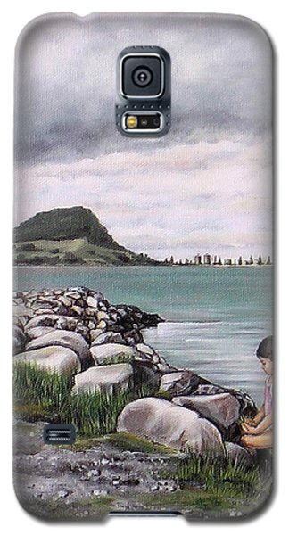 Galaxy S5 Case featuring the painting Mt Maunganui 140408 by Sylvia Kula