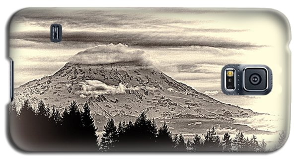 Mt. Rainier Wa In Black And White Galaxy S5 Case