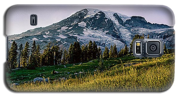 Mt Rainier With Purple Sky Galaxy S5 Case