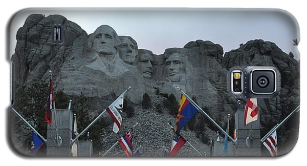 Mt. Rushmore In The Evening Galaxy S5 Case