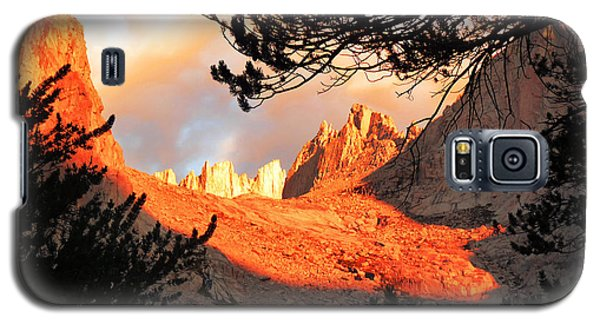 Galaxy S5 Case featuring the photograph Mt. Whitney Sunrise by Alan Socolik