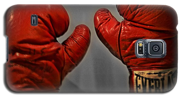 Boxing Muhammad Ali Galaxy S5 Case - Muhammad Ali's Boxing Gloves by Bill Cannon