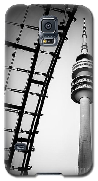 Munich - Olympiaturm And The Roof - Bw Galaxy S5 Case