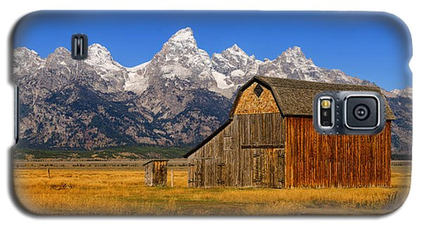 Galaxy S5 Case featuring the photograph Murphy Barn by Greg Norrell
