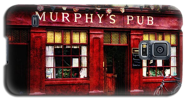 Galaxy S5 Case featuring the photograph Murphy's Pub by Brian Tarr