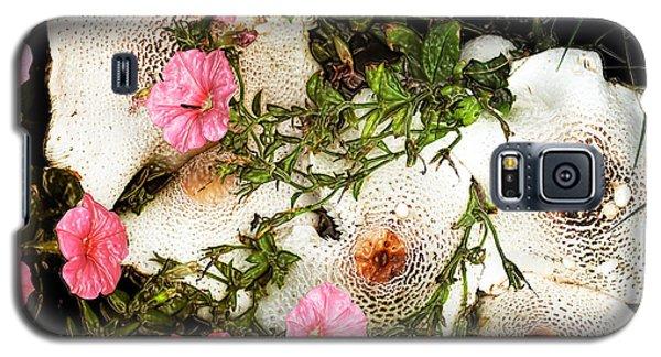 Mushrooms In Pink Galaxy S5 Case