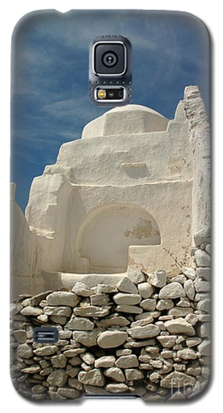 Galaxy S5 Case featuring the photograph Mykonos Church by Vivian Christopher