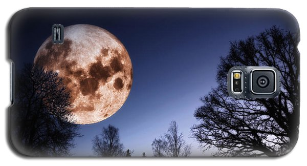 Mysterious Full Moon Rising Over Forest Galaxy S5 Case