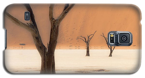 Galaxy S5 Case featuring the photograph Mystic Africa by Juergen Klust
