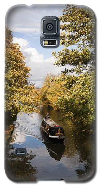 Galaxy S5 Case featuring the photograph Narrowboat On The Grand Union by David Isaacson
