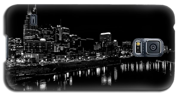 Nashville Skyline At Night In Black And White Galaxy S5 Case by Dan Sproul
