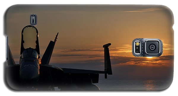 Galaxy S5 Case featuring the photograph Navy Super Hornet by John Swartz