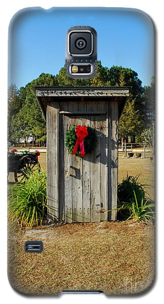 Old Out House Galaxy S5 Case by Bob Sample