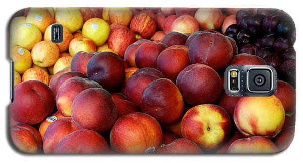 Galaxy S5 Case featuring the photograph Nectarines At Rest by Vinnie Oakes