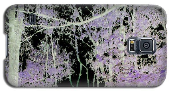 Galaxy S5 Case featuring the photograph Negascape by Thomasina Durkay