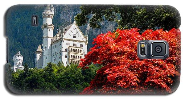 Neuschwanstein Castle With Red Foliage Galaxy S5 Case