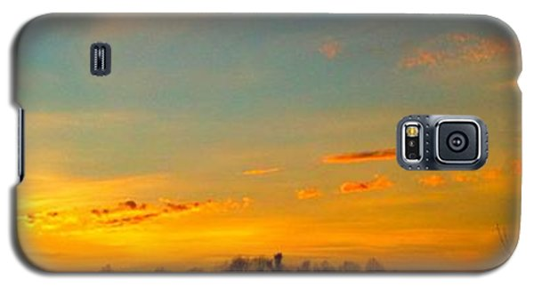 Galaxy S5 Case featuring the photograph New Day by Linda Bailey