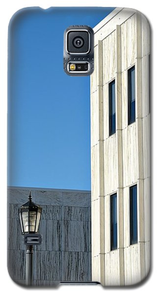 Galaxy S5 Case featuring the photograph New Jersey State Library And Museum by Steven Richman