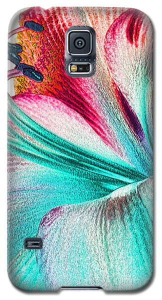 Galaxy S5 Case featuring the digital art New Kid In Town by Margie Chapman
